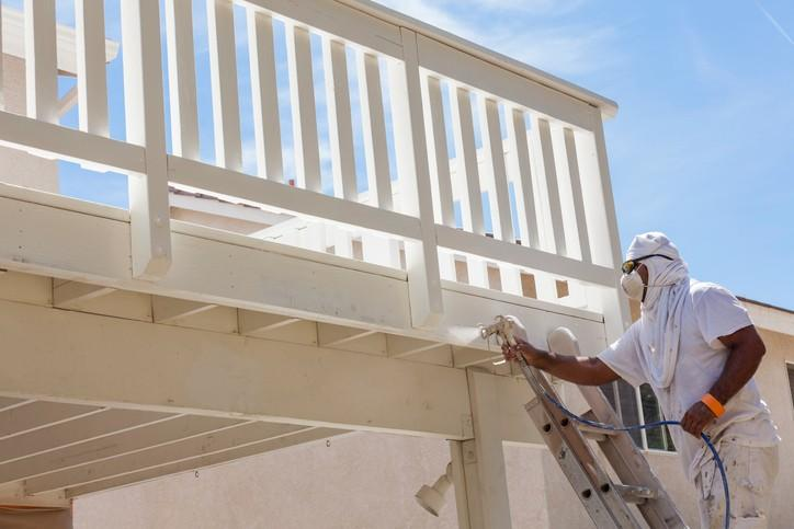 Is there a Best Season to Hire an Exterior Repaint Specialist in Ontario?
